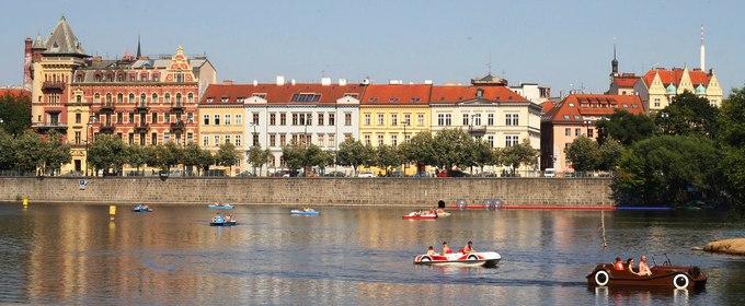 Есть мнение: банки Чехии не скупятся на ипотеку, у них полно лишних денег
